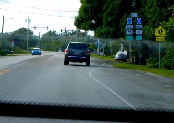 グアム南部の2Aと12の交差点