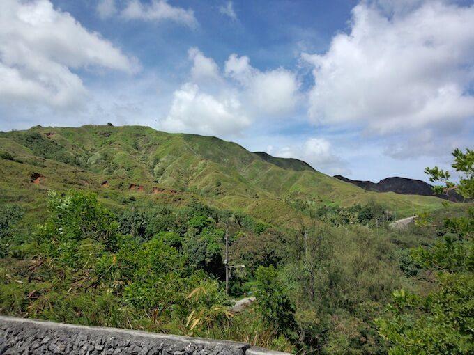 セッティ湾展望台の裏の山