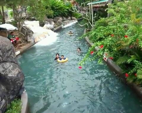ターザの流れるプール