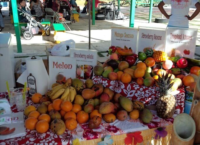 グアムのマンゴーフェスティバルのジュースコーナー