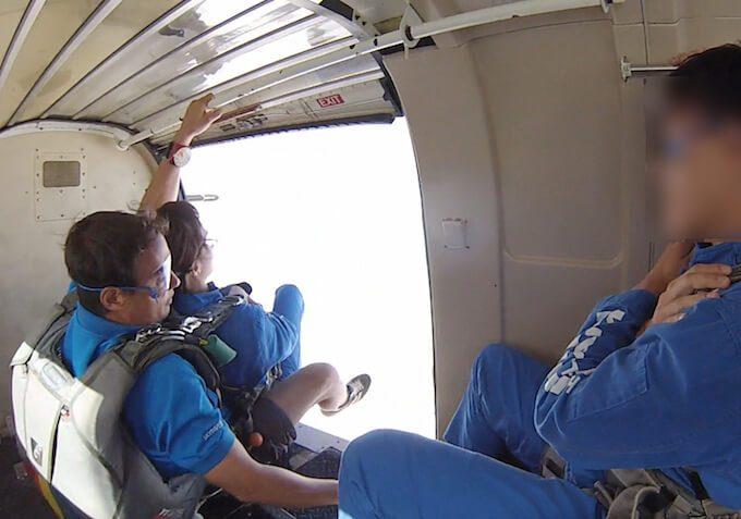グアムのスカイダイビングで飛ぶ瞬間