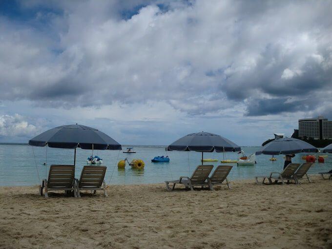 曇り空のタモンビーチ