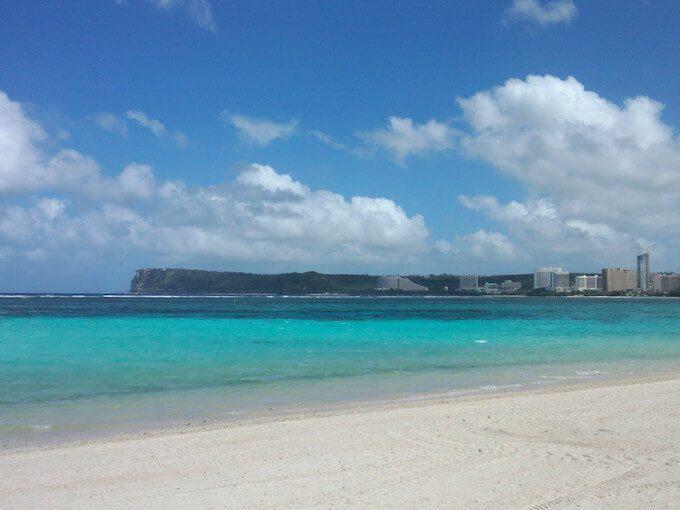 イパオビーチの海と砂と恋人岬