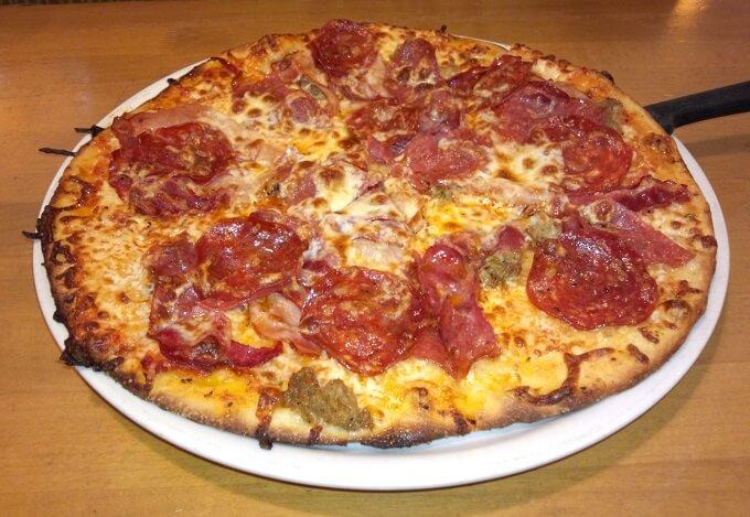 カリフォルニアピザキッチンのピザ