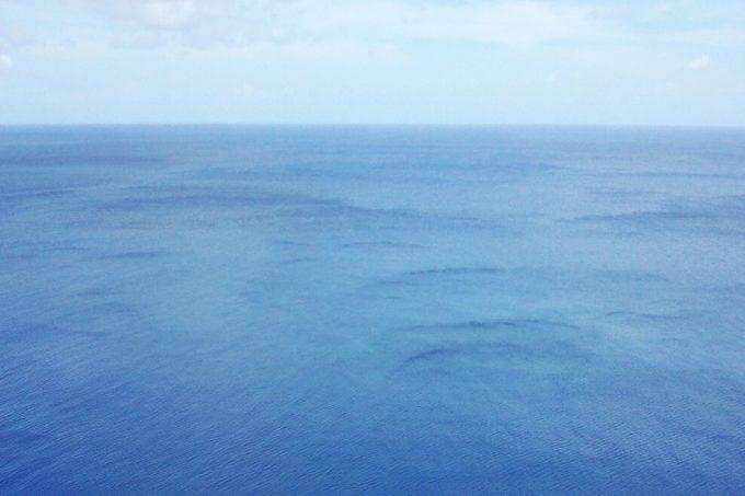 グアムの恋人岬と海