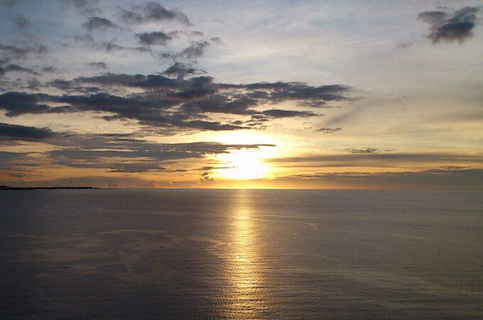 グアムの恋人岬から見た夕日