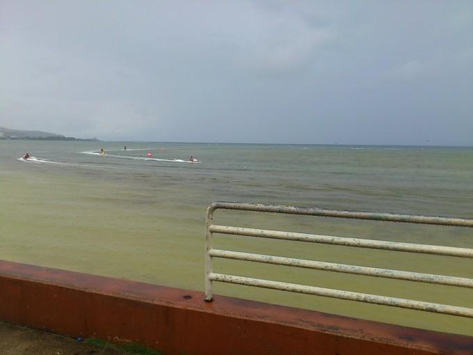 グアム雨の日のジェット遊び