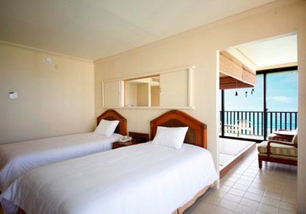 グアムリーフホテルの和室のベッド