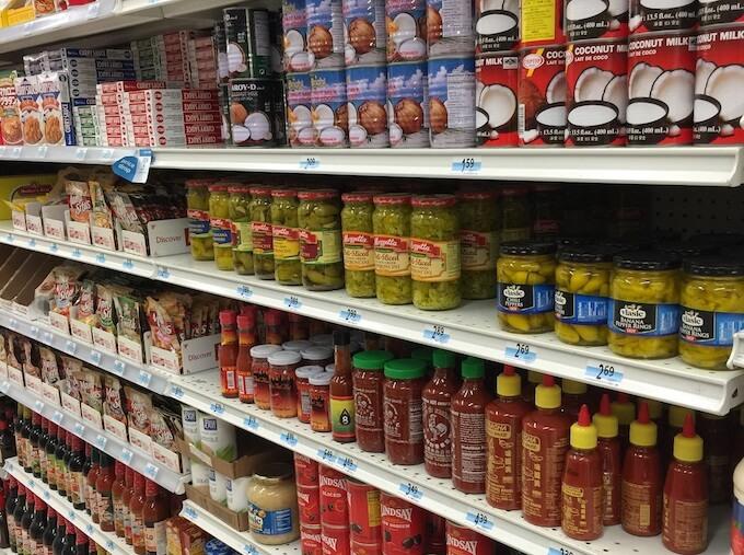 Kマートの調味料やパスタ