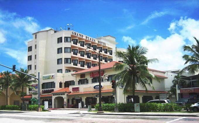 グランドプラザホテルの外観
