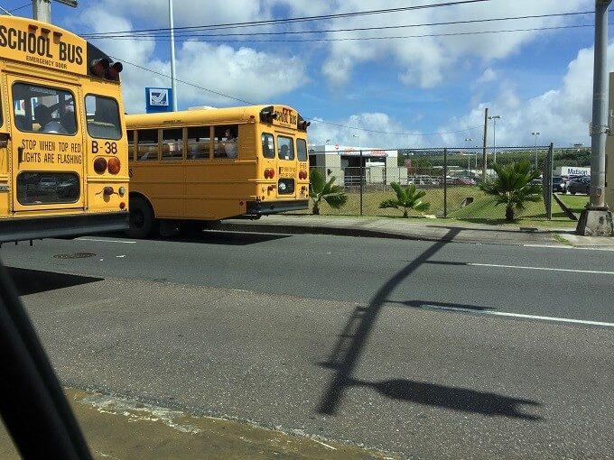 グアムのスクールバス
