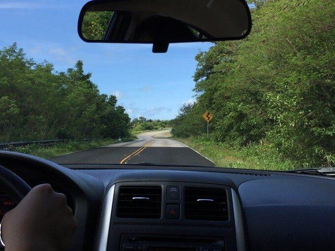 グアムのルート6の道路