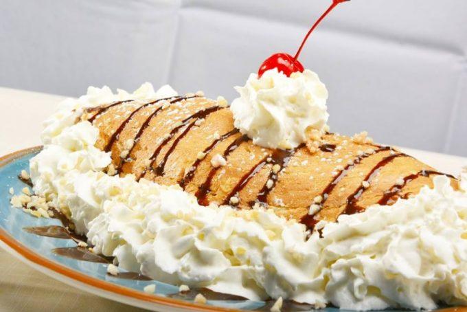 キングスレストランの生クリームのパンケーキ