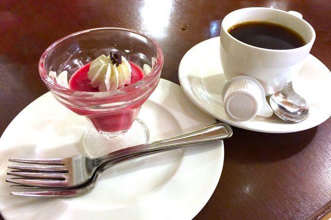 グアムのマゼランのコーヒーとケーキ
