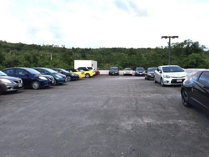 ニッコーホテルの駐車場