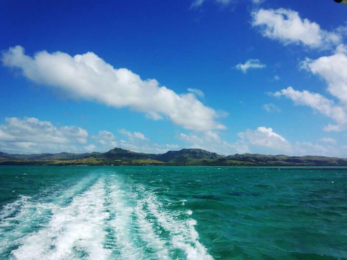 ココス島行きのボートから見たグアム