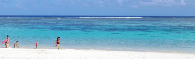 グアムの美しいエメラルドグリーンの海