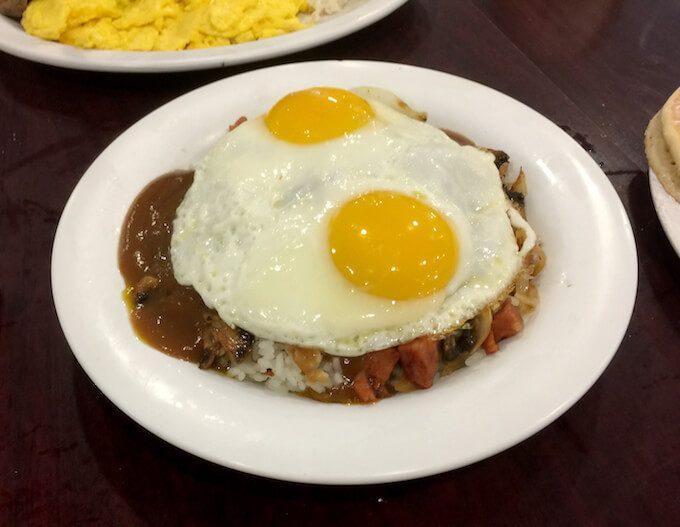 グアムのエッグスンシングスの美味しいハワイアンロコモコ