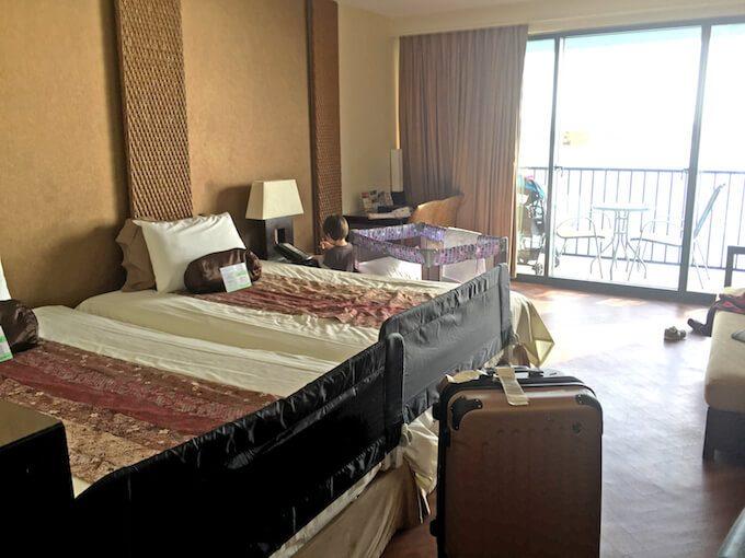 グアムリーフホテルのベッドとベッドガード