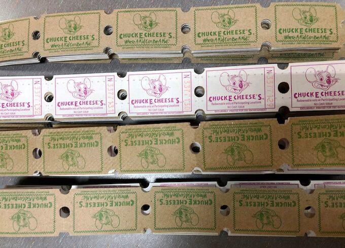 チャッキーチーズの大量のチケット