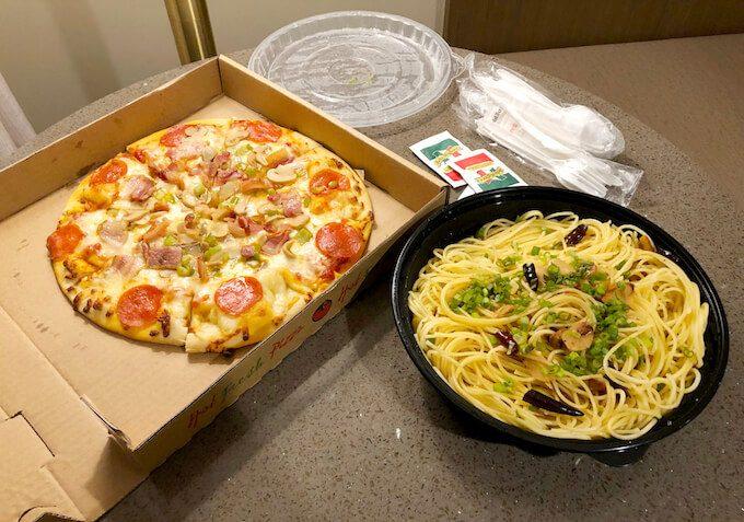 グアムのカプチョのピザとパスタ