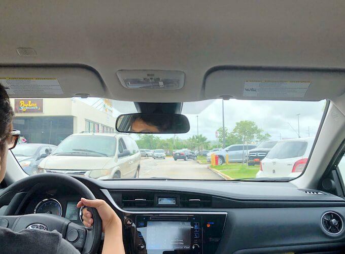 グアムのブラックフライデーの大渋滞の駐車場