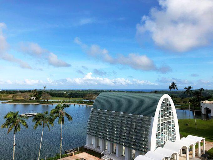 レオパレスリゾートのホテル棟から見たグアム東部
