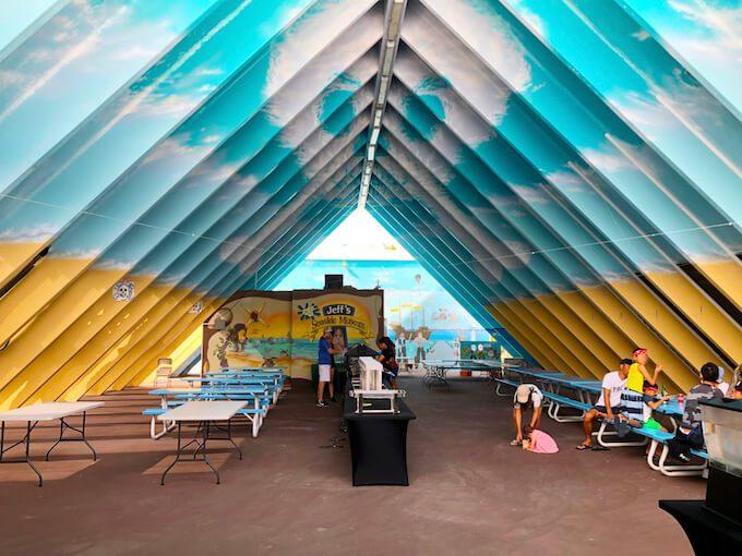 ジェフズパイレーツコーブの三角屋根の席