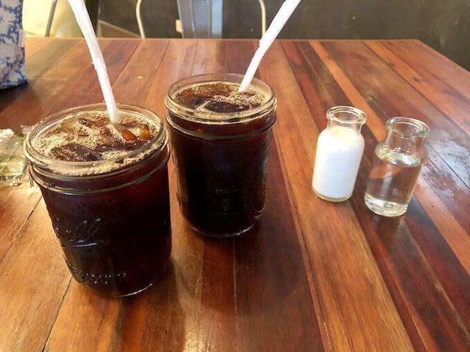 グアムのスリースクエアのアイスコーヒー