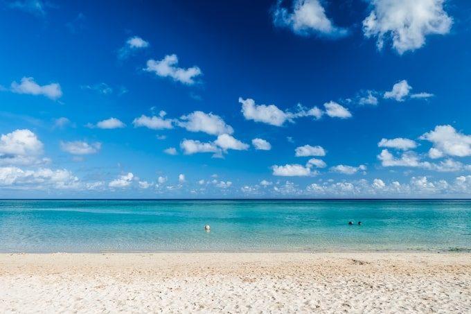 人の少ない美しいタモンビーチ